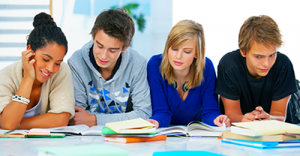 grupo de estudiantes de inglés en Infolang